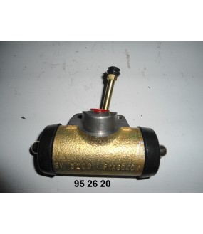 cylindre récepteur de frein gauche